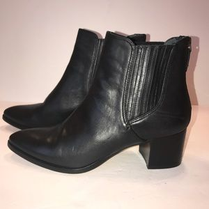 Halogen Booties size 10 black ankle boots